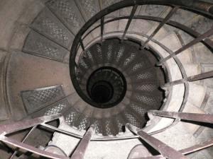 Arch-de-Triumph-spiral-staircase