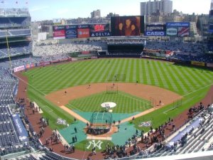new-yankee-stadium-opening-day-the-field